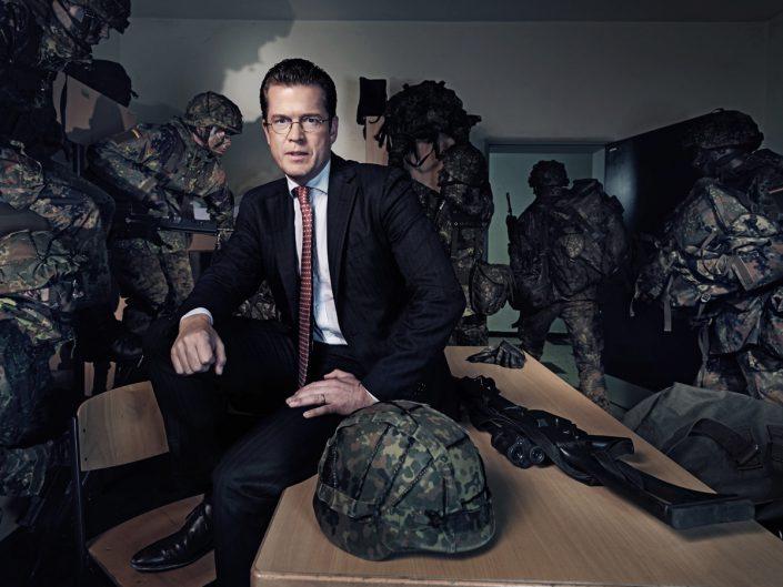 Karl-Theodor zu Guttenberg, Verteidigungsminister