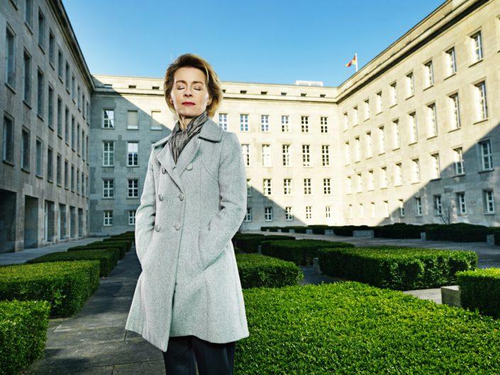 Ursula von der Leyen, Bundesministerin für Arbeit und Soziales